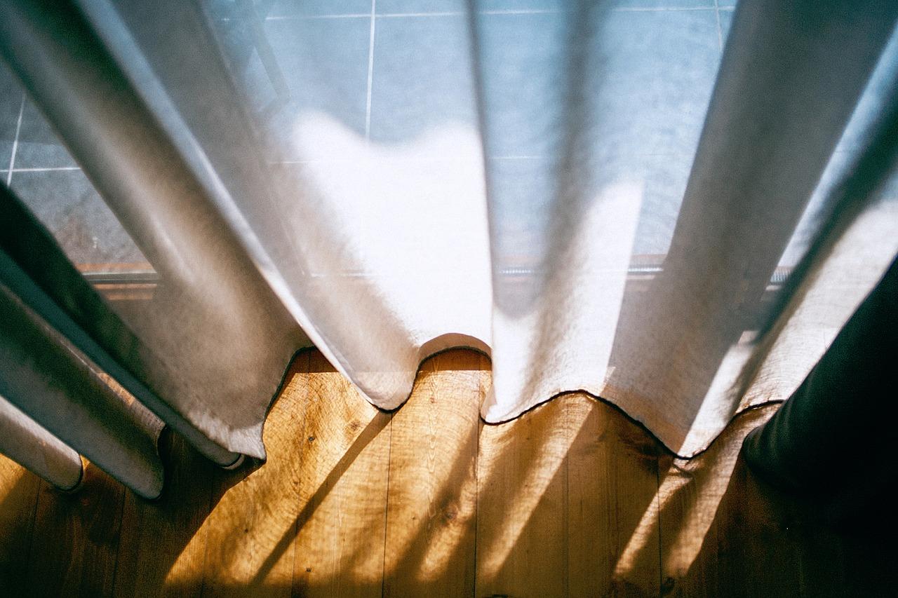Häng inte gardinerna för lågt